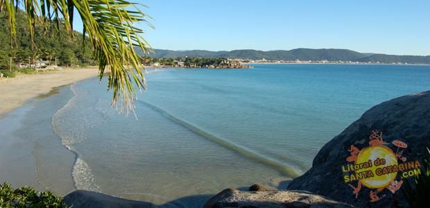 Praia de Zimbros em Bombinhas Santa Catarina - 9° Lugar no Ranking das praias de Bombinhas