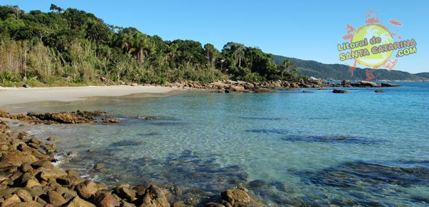 Praia do Ribeiro em Bombinhas Santa Catarina - 1° Lugar das praias de Bombinhas