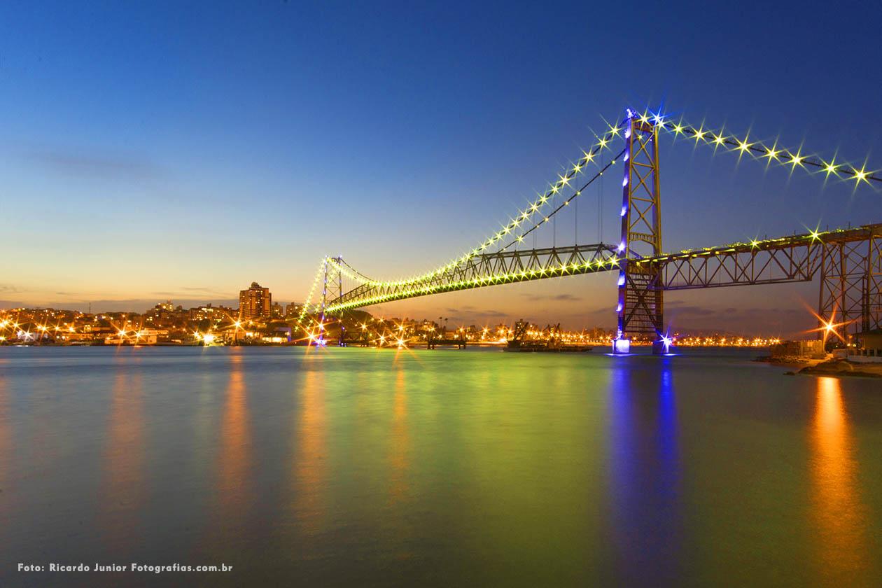 Foto Ponte Hercílio Luz em Florianópolis – Fotos de Ricardo Junior / www.ricardojuniorfotografias.com.br