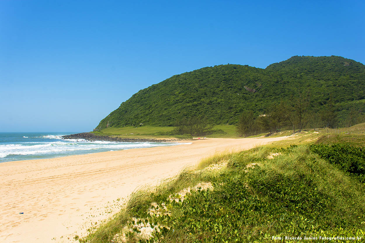 Praia da Silveira em Garopaba – Fotos de Ricardo Junior / www.ricardojuniorfotografias.com.br