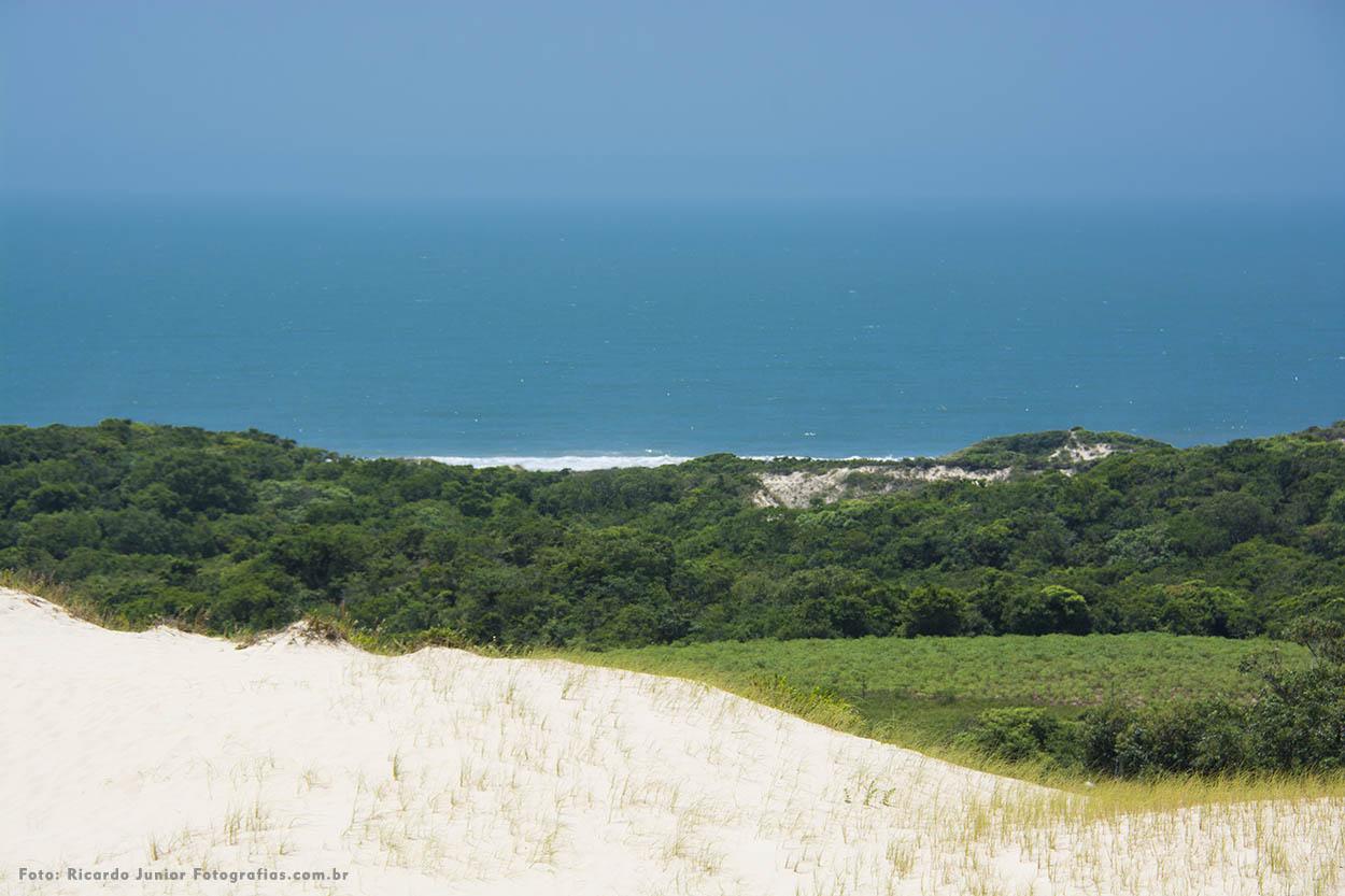 Foto da praia do siriú, em Garopaba – Foto de Ricardo Junior / www.ricardojuniorfotografias.com.br