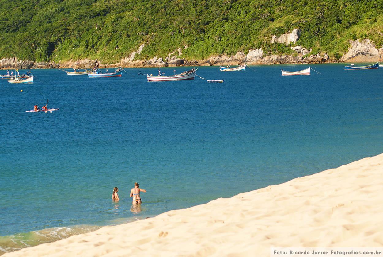 Foto das dunas e praia dos ingleses em Florianópolis – Fotos de Ricardo Junior / www.ricardojuniorfotografias.com.br
