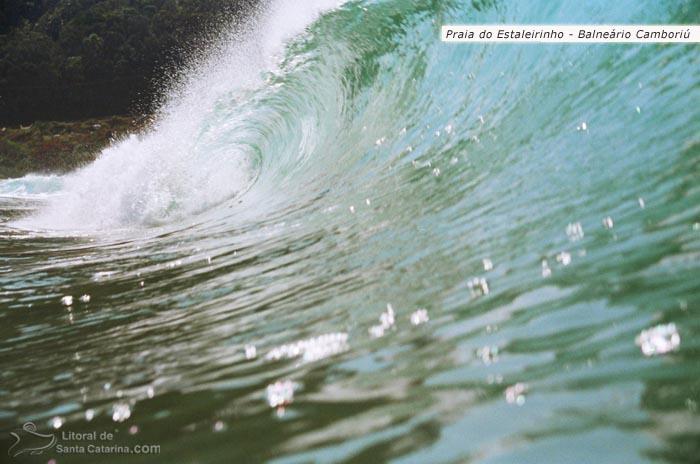 Foto onda praia do estaleirinho em Balneário Camboriú - Foto Flávio Fernandes