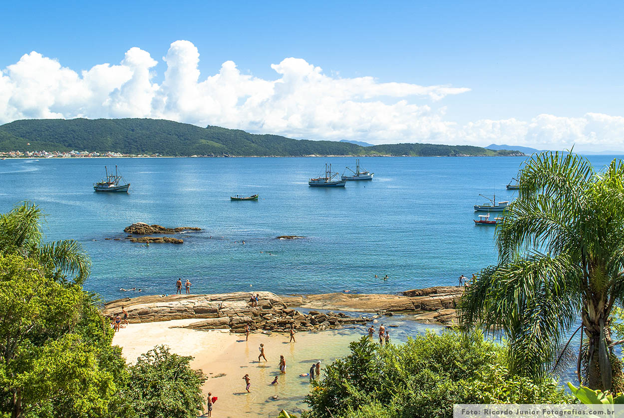 Foto piscinas naturais da praia da lagoinha em Bombinhas – Fotos de Ricardo Junior / www.ricardojuniorfotografias.com.br