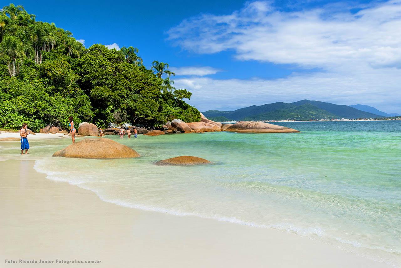 Mar cristalino da Ilha do Campeche em Florianópolis – Fotos de Ricardo Junior / www.ricardojuniorfotografias.com.br