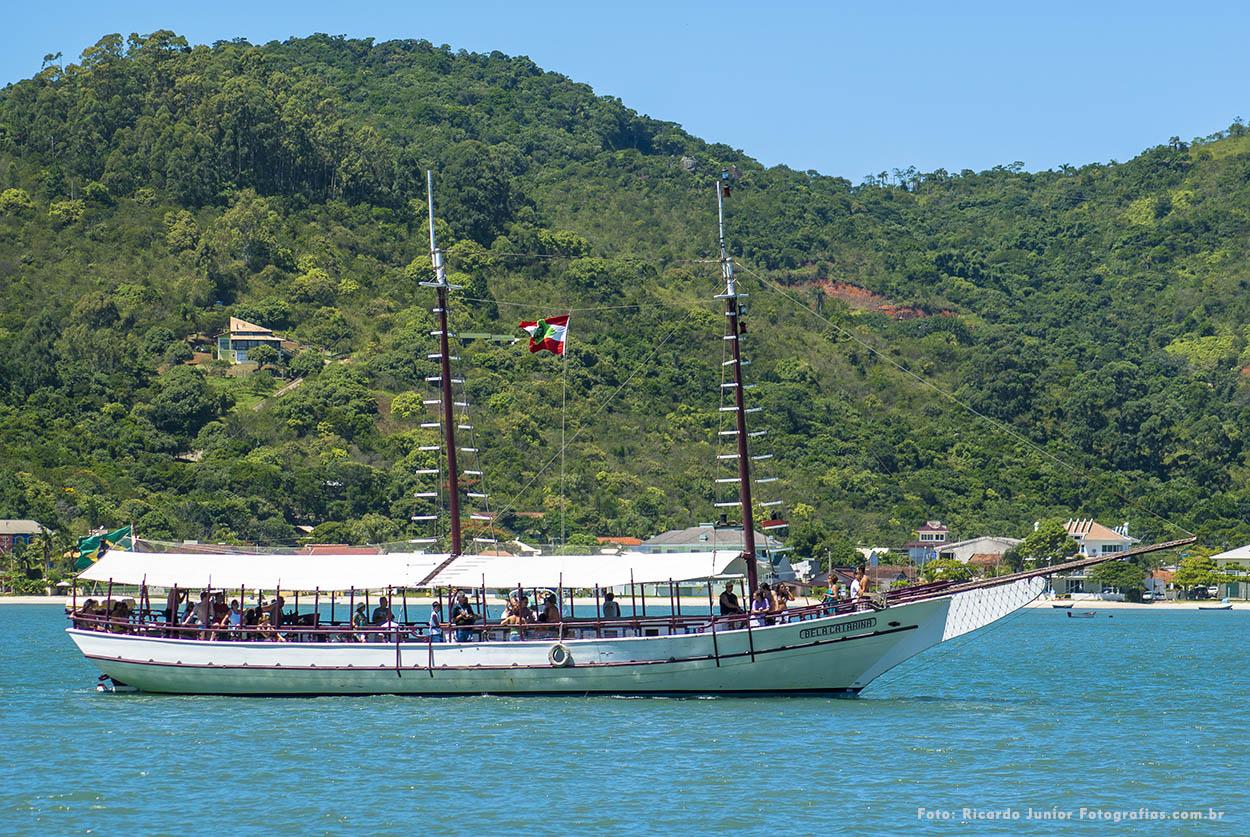 Passeio de barco de Porto Belo até Bombinhas – Fotos de Ricardo Junior / www.ricardojuniorfotografias.com.br