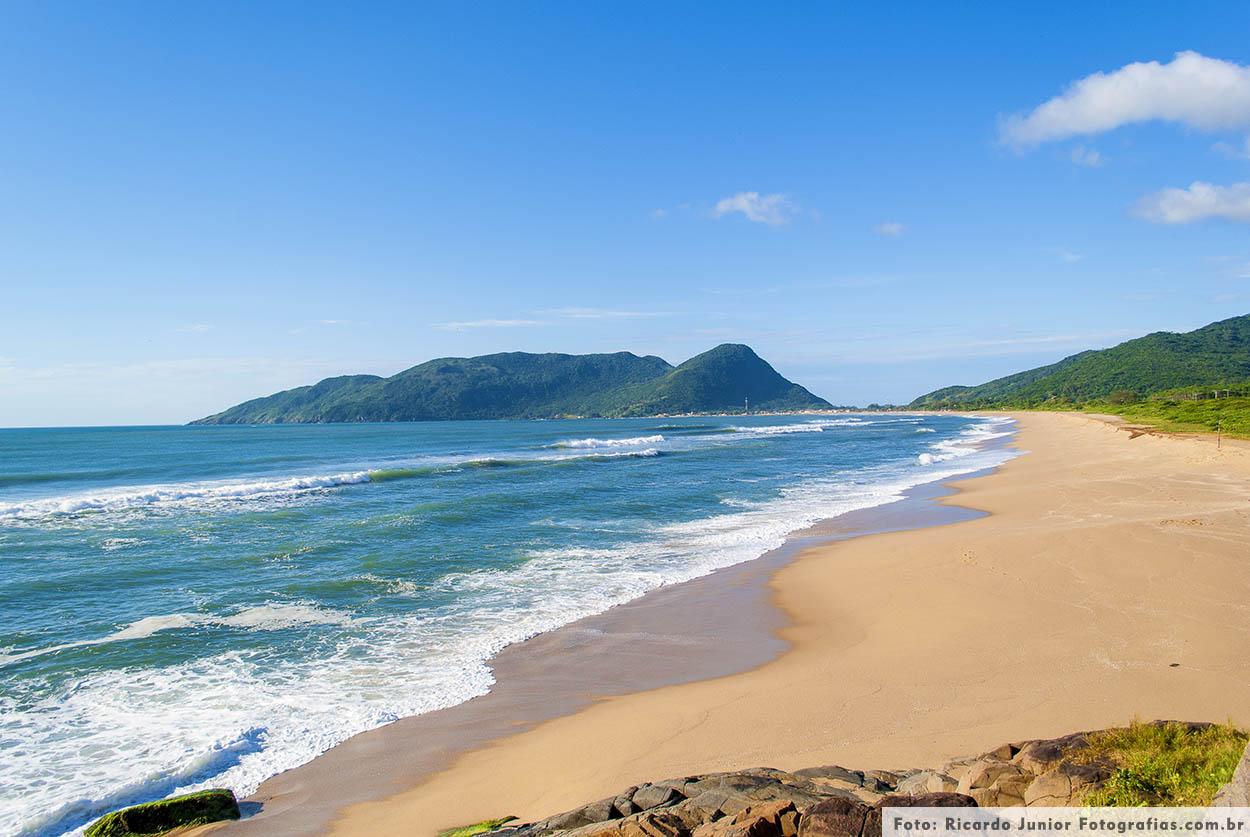 Praia da Armação em Florianópolis – Fotos de Ricardo Junior / www.ricardojuniorfotografias.com.br