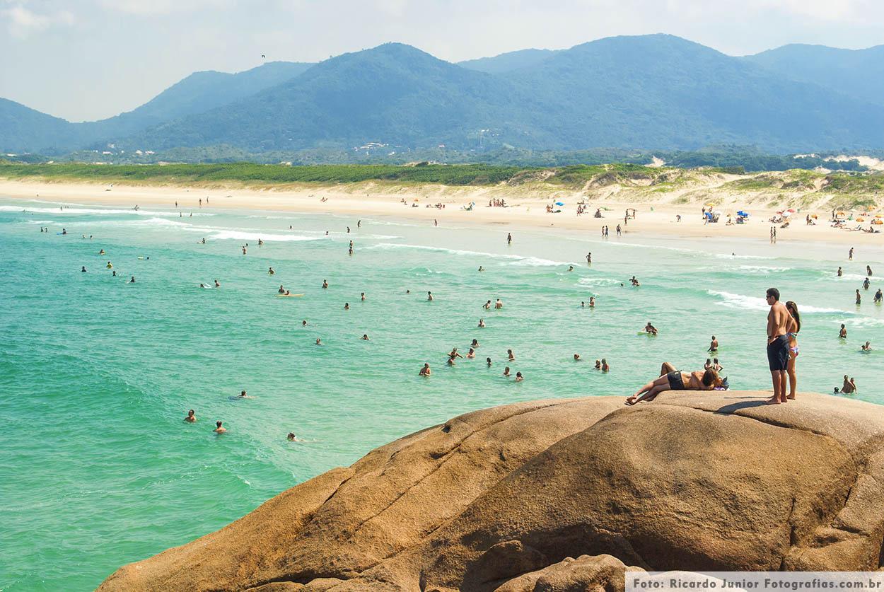 Praia da joaquina em Florianópolis – Fotos de Ricardo Junior / www.ricardojuniorfotografias.com.br