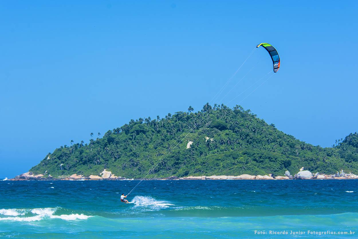 Praia do campeche em Florianópolis KiteSurf – Fotos de Ricardo Junior / www.ricardojuniorfotografias.com.br