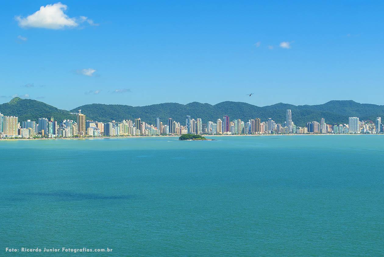 Vista completa da cidade de Balneário Camboriú – Fotos de Ricardo Junior / www.ricardojuniorfotografias.com.br